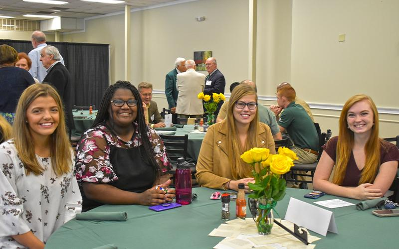 Students at the 2019 Green Key Induction Breakfast